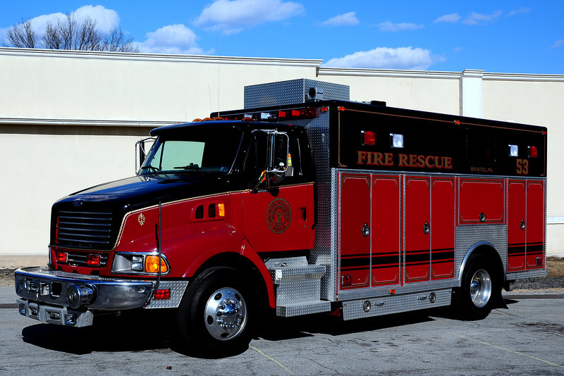 American Hook & Ladder   Rescue  53   1999  Ford / JB  Rescue  Body