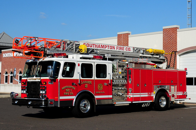 Southampton  Ladder  2   1997 Emergency-One   1500/ 300/ 75ft