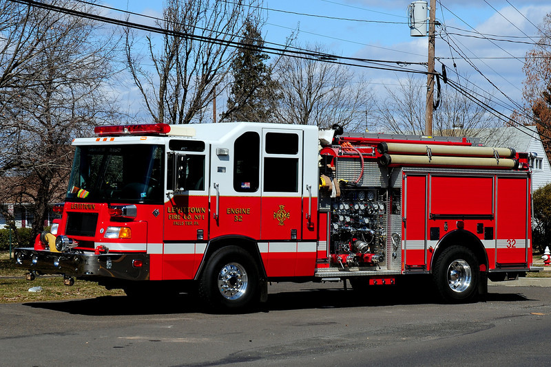 Levittown Fire Co # 1   Engine  32   1999 Pierce  Quantum   1750/ 500