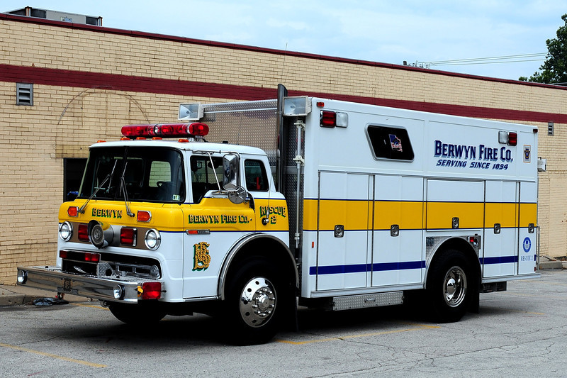 BERWYN RESCUE 2   1989 FORD C8000/ EMERGENCY-  ONE