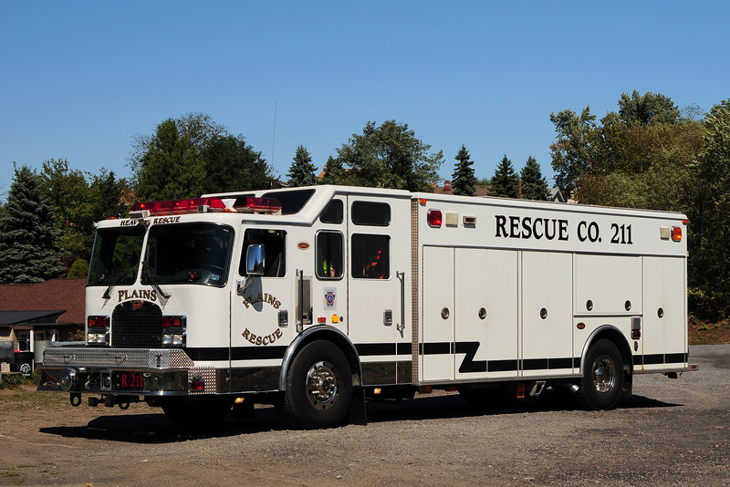 PLAINS TWP. RESCUE 211  2003 KME Heavy rescue