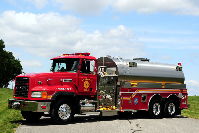Quarryville  Fire  Co   Tanker  5-7  2000 Mack CL/ S&S 2000/ 3500