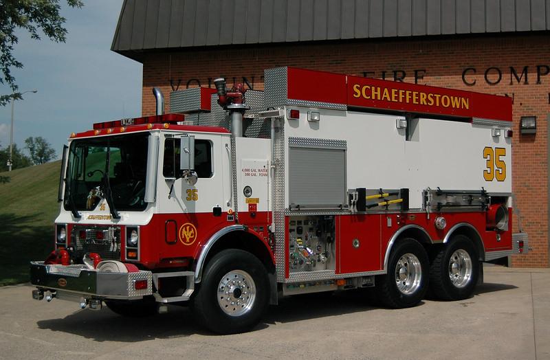 2001 Mack MR / KME 1000 gpm pump 4000 gallons of water 300 gallons of  Foam  Schafferstown, PA Tanker 35
