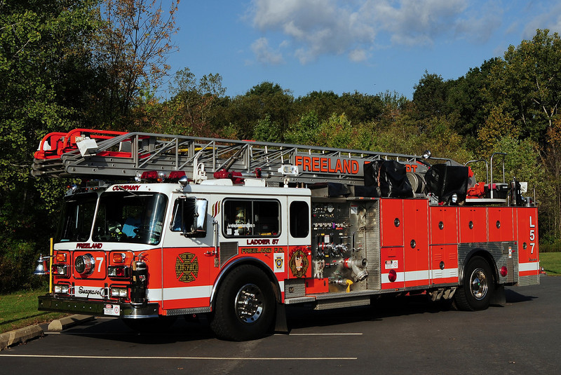 FREELAND LADDER 57   1980 SEAGRAVE 1250/ 150/ 100tt