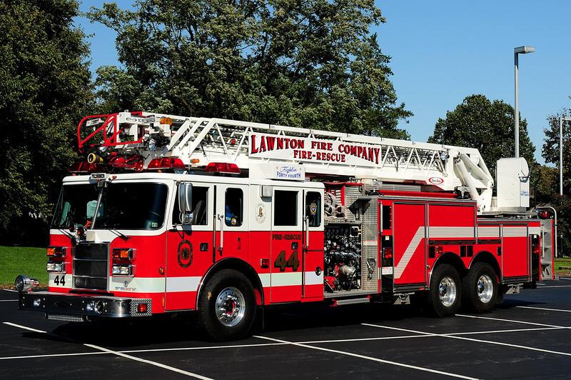 Lawnton Fire Co   Engine  44  2000 Pierce  Lance  1500 / 500 /105 ft