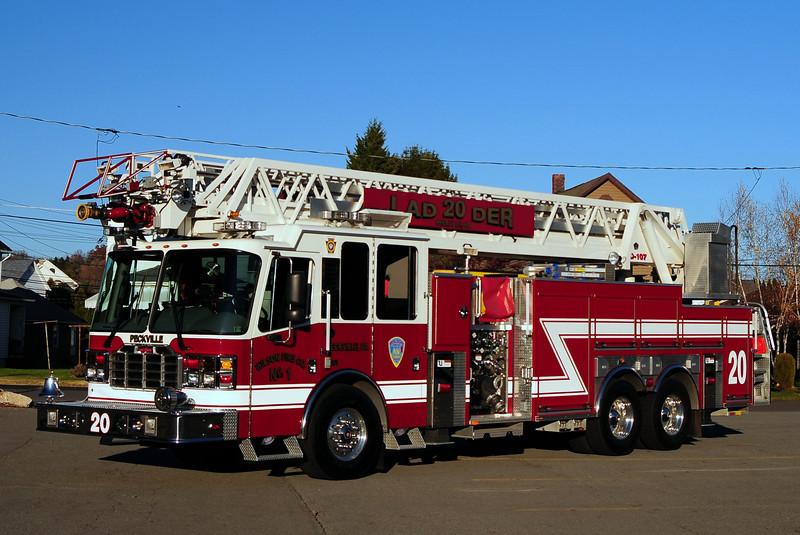 Wilson Fire Co #1  Peckville ,  Ladder 20  2008 Ferrera  2000/ 350/ 107 ft