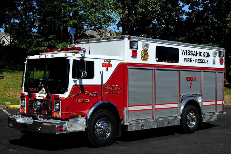 Wissahickon  Fire Co   Rescue  7   1992  Mack MR/ Swab