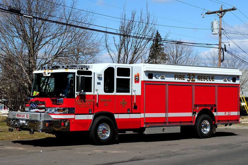 Levittown Fire Co # 1    Rescue  32   2007  Piece Quantum