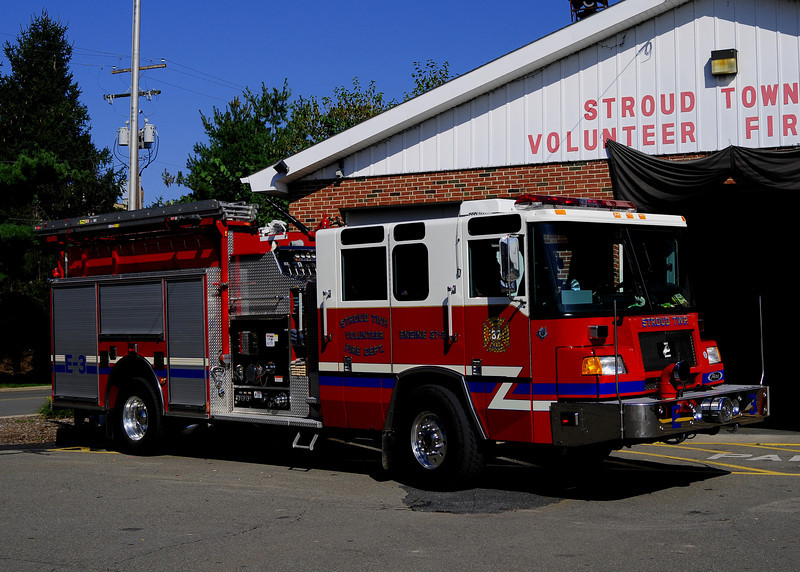 Stroud Twp Engine 37-3   2000 Pierce Quantum 1500/1000/30