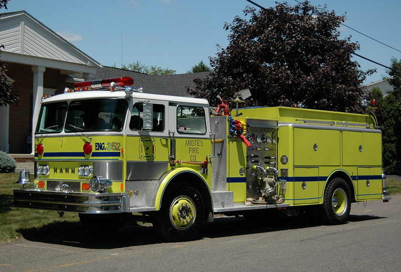 Aristes fire Co Ashland, pa Engine 352 1982 Hahn 1250/ 750 Ex-Sheppton-Onieda Fire Company (Schuylkill County)