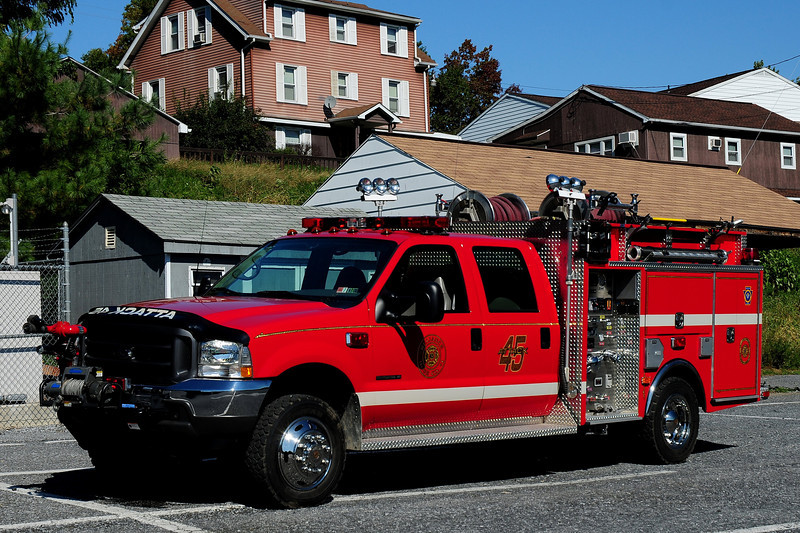 Rutherford Fire Co   Attack 45   2002 Ford  F-550  4 Guys  500/ 300