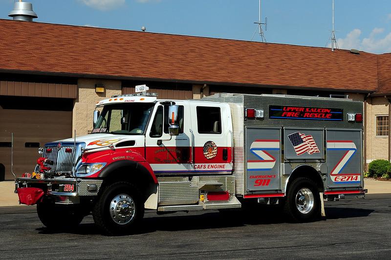 Upper Saucon Vol Fire Dept   Engine  2714  2005 International 4X4 / Central States   1250/ 570/ 30 class A foam