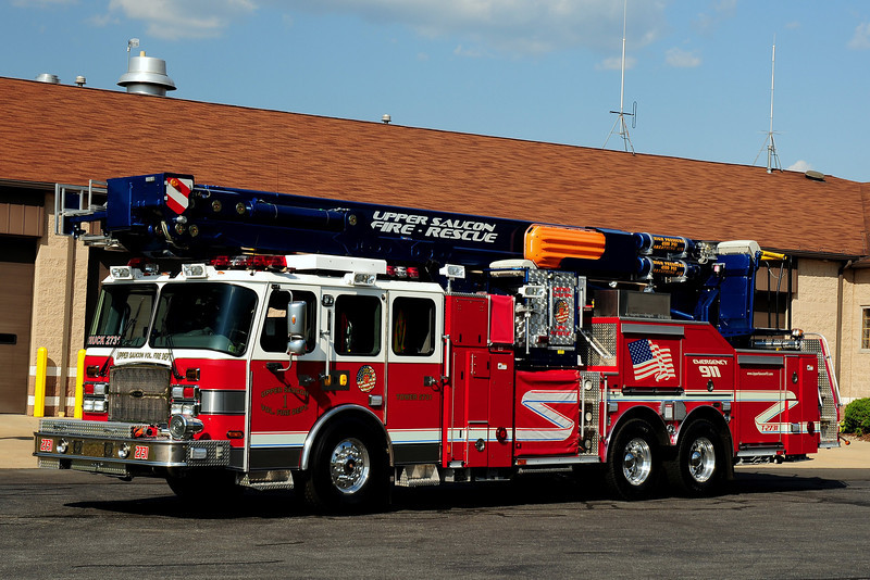 Upper Saucon Vol Fire Dept  Truck 2731  2008 Emergency-One  / Bronto Skylift  2000/ 270/ 30 class A foam