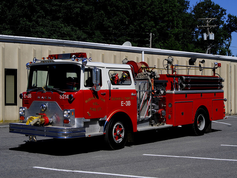 Bushkill Twp Engine 5214   1974 Mack CF 1000/1000