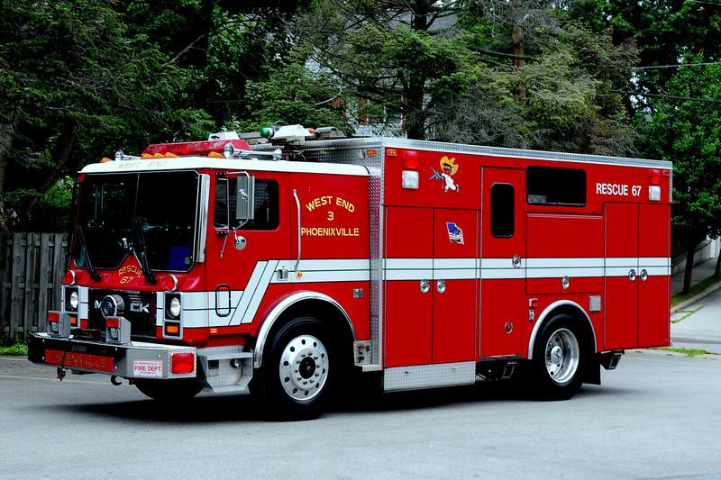 PHOENIXVILLE FIRE DEPT RESCUE 67  1990 MACK MC/ 4GUYS RESCUE BODY