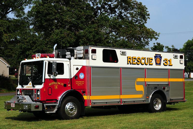 Keystone Hook & Ladder co   Rescue 31  2005 Mack MR/ New Lexington