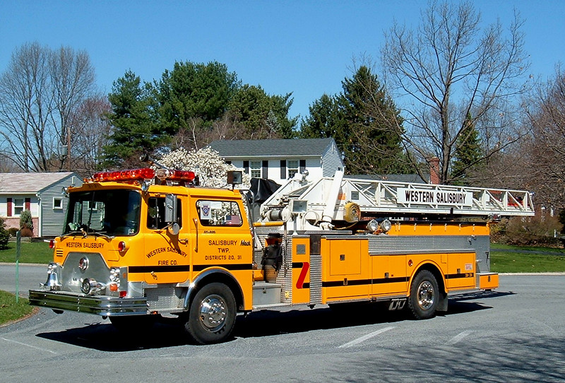 Western Salisbury, PA Ladder 3131  1979 Mack CF/ ALF/ Hammerly 100ft