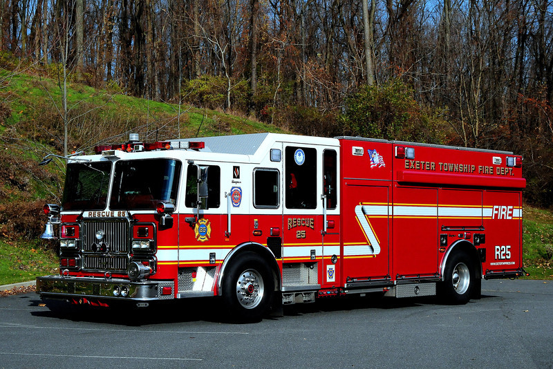 Reiffton Fire Co    Exeter Twp  Rescue  25  2008  Seagrave