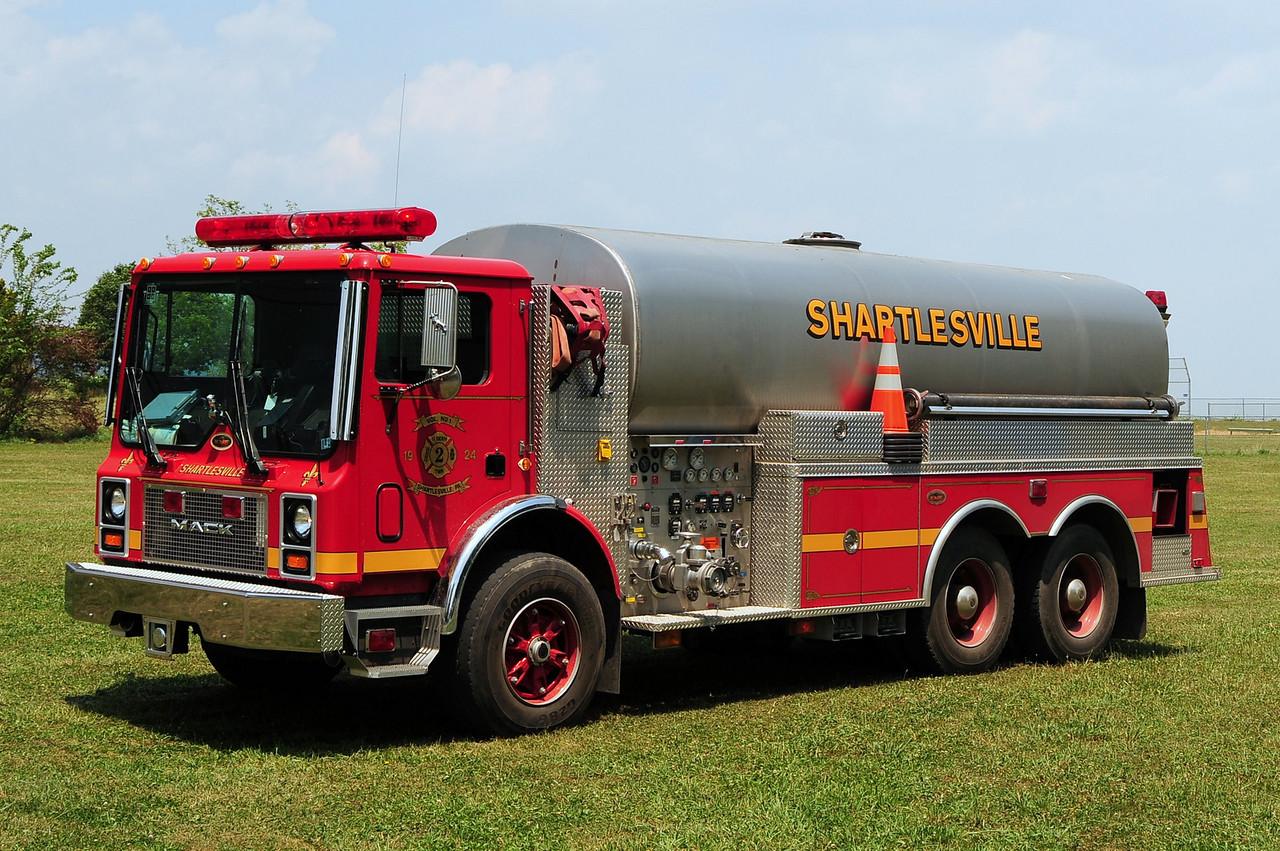 Community Fire Co  of Shartlesville  Tanker 41  1999 Mack MR/ KME 1000/ 4100