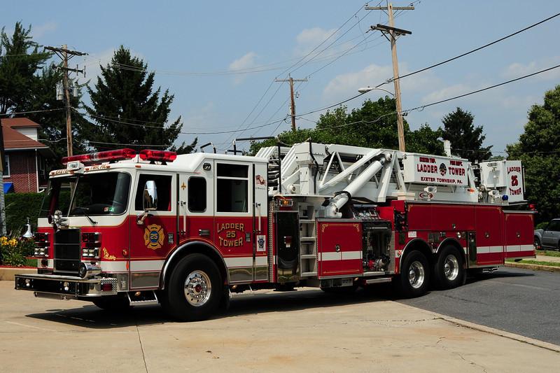 Reifton Fire Co  Tower 25  2004  Pierce Dash 2000/ 300/ 95ft