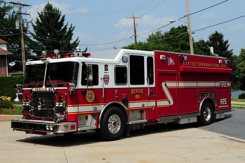 Reiffton Fire  Co  Rescue  25  2008 Seagrave
