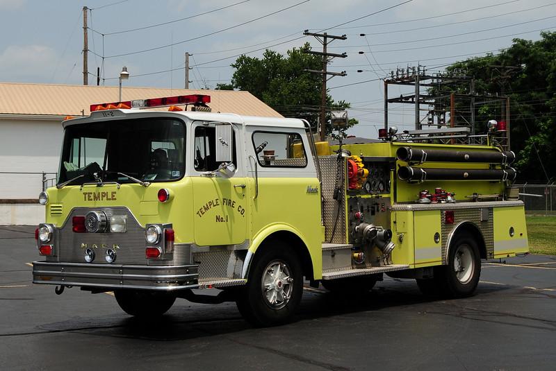 Temple Fire Co  Engine 11-2  1981 Mack CF  1250/ 750