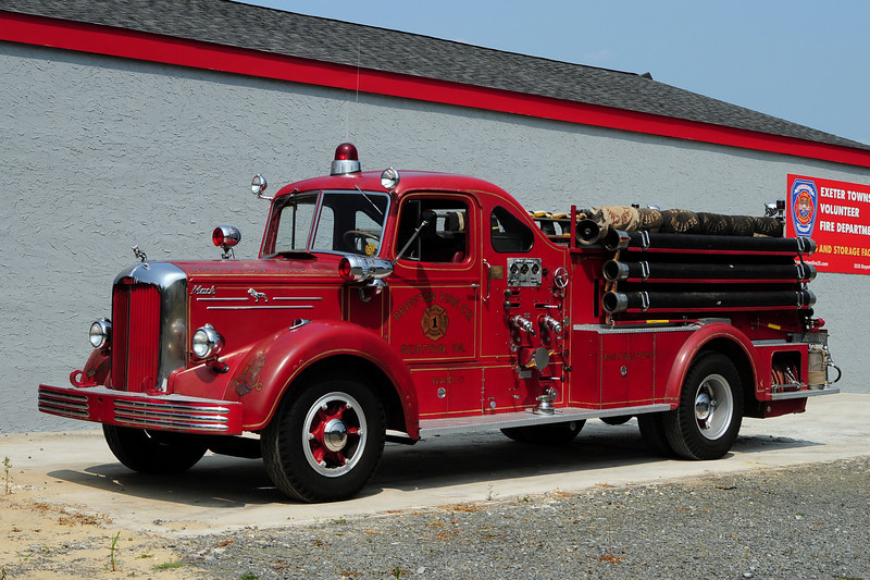 Reiffton Fire Co 1951 Mack L-85 750/ 500