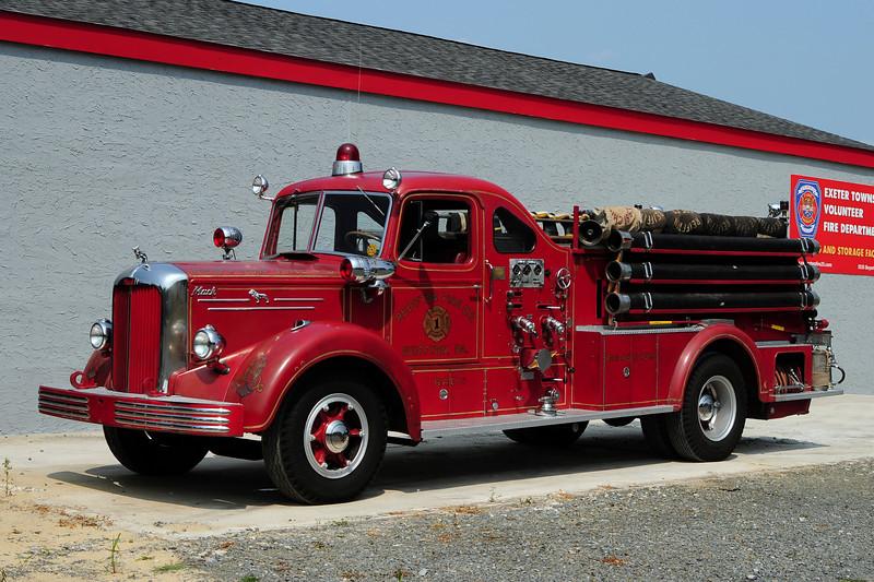 Reiffton Fire Co 1951 Mack L-85 750/ 500