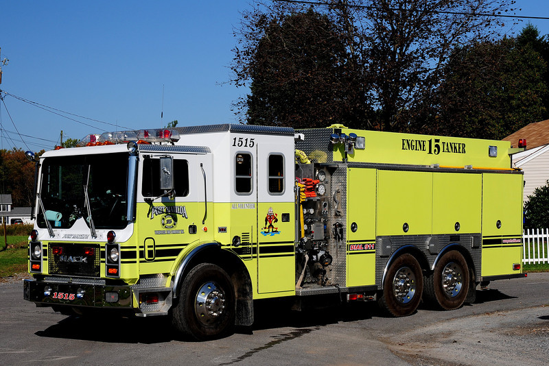 Port Matilda Fire Co  Tanker 1515     MACK  MC 1000/ 2000