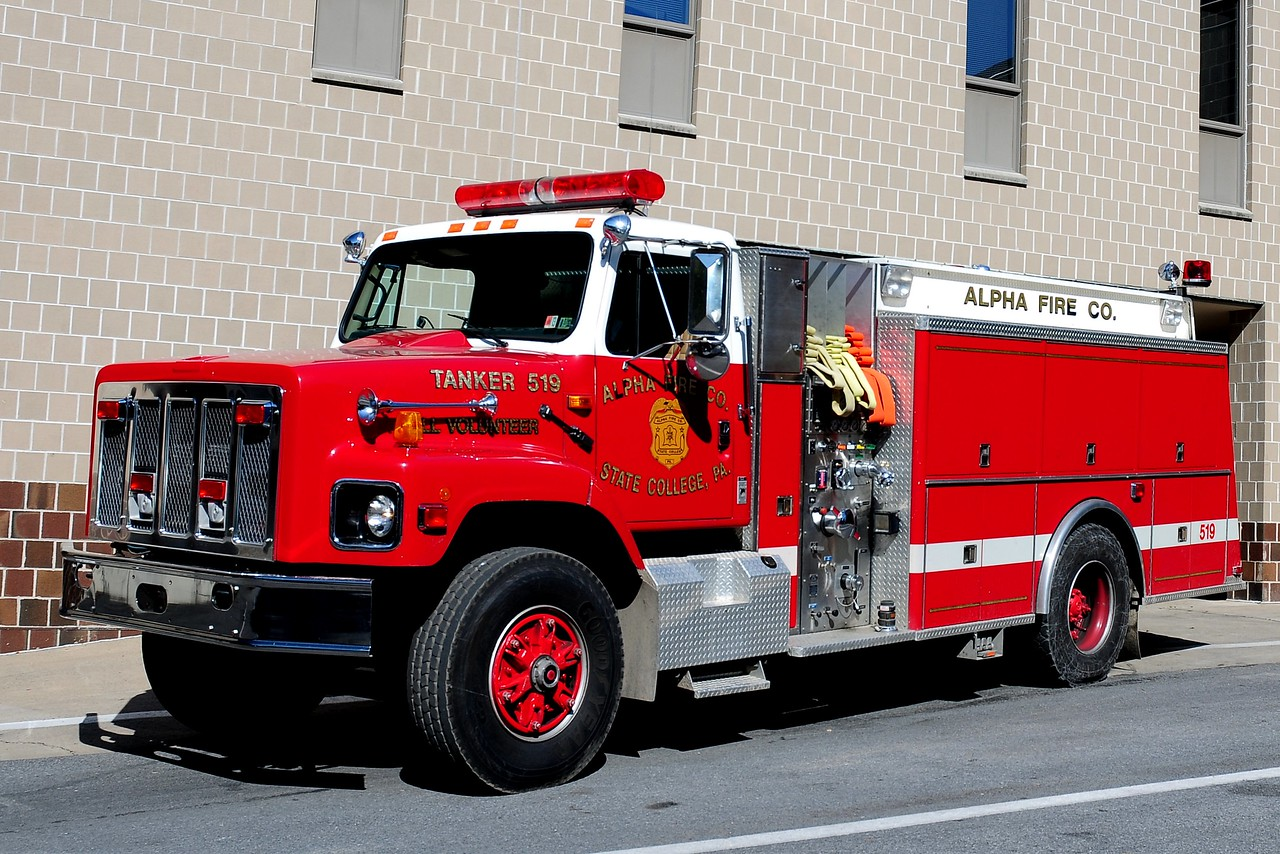 Alpha Fire Co   Tanker   519  1991 International / KME   500 / 1500