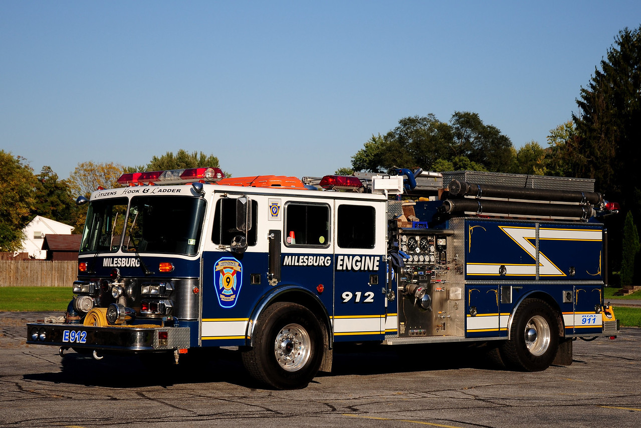 "Citizen""s Hook& Ladder Co #1  Engine  920  1990 Simon Duplex / Grumman  1500/ 750"