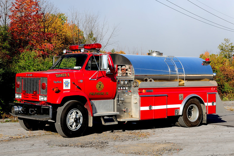 Hope Fire Co   Tanker 5719   1986 GMC Topkick  4 Guys   500 / 1800