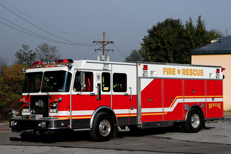 Hope Fire Co   Rescue  11  1996  Spartan / Saulsbury   ex- West Lancaster , Pa