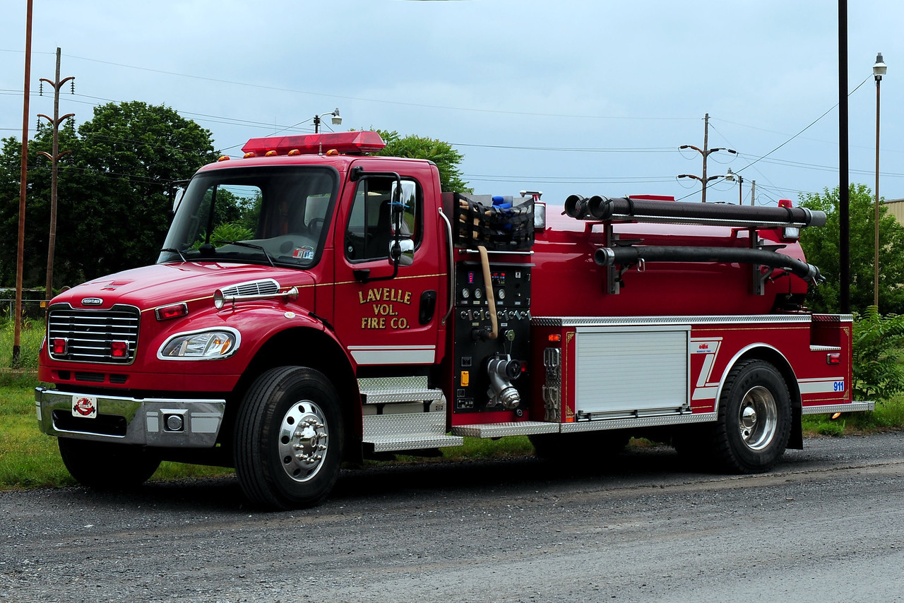 Lavalle Fire Co  Tanker      Freightliner/ Mid West   750/ 1250