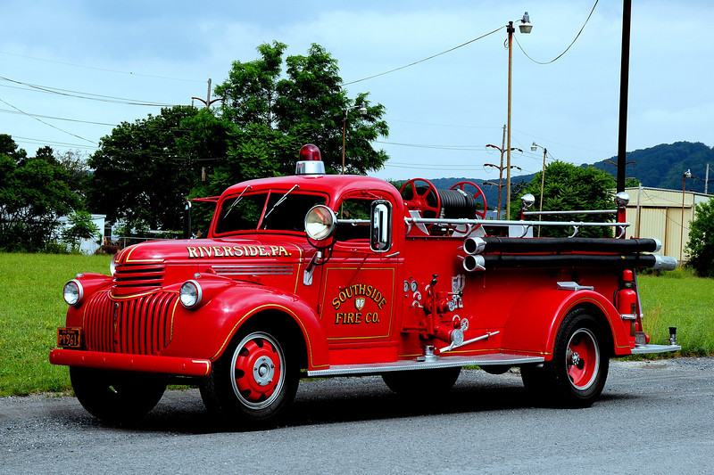 Riverside Fire Co  Engine  78  1941 Chevrolet / Howe  500/ 150