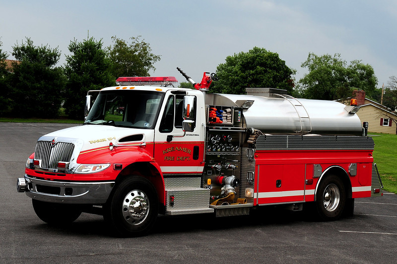 Kreamer Fire Co  Tanker 12-1  2005 International / 4 Guys  1250/ 2000