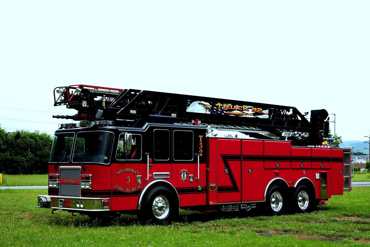 Shamokin  Truck  32  2010 KME Predator  100ft