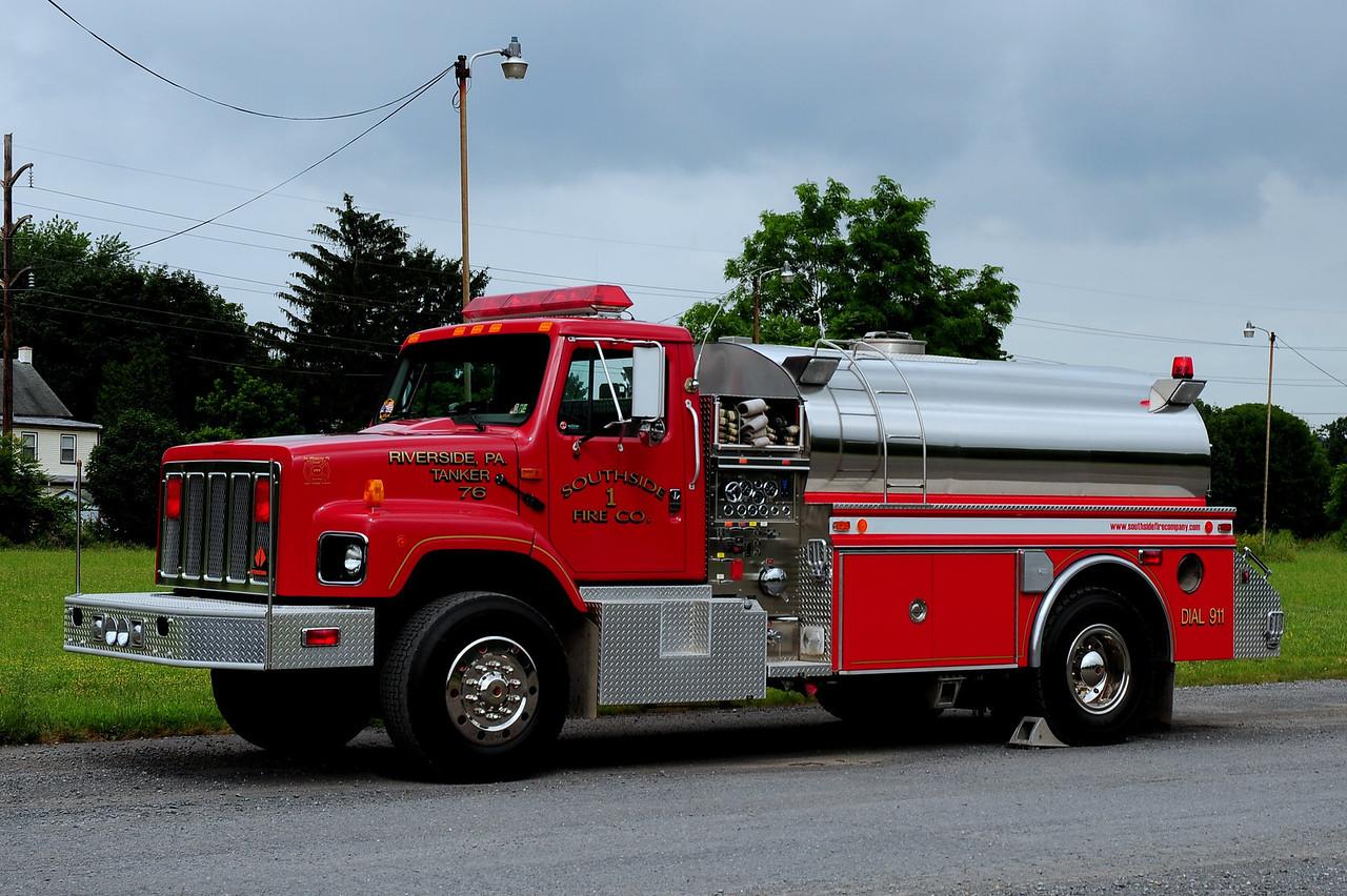 Riverside Fire Co  Tanker 76  1996 International/ 4 Guys  750/ 1250