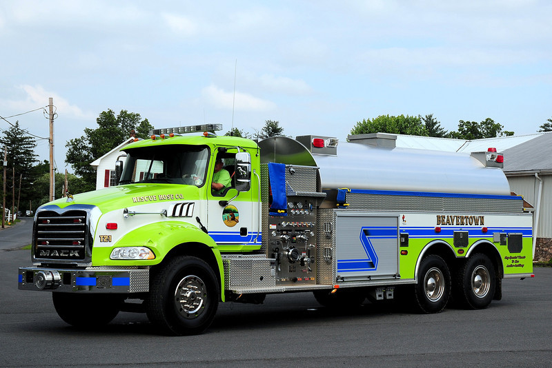 Beavertown Fire Co  Tanker 2-1  2009 Mack Granite/ KME  1000/ 3500
