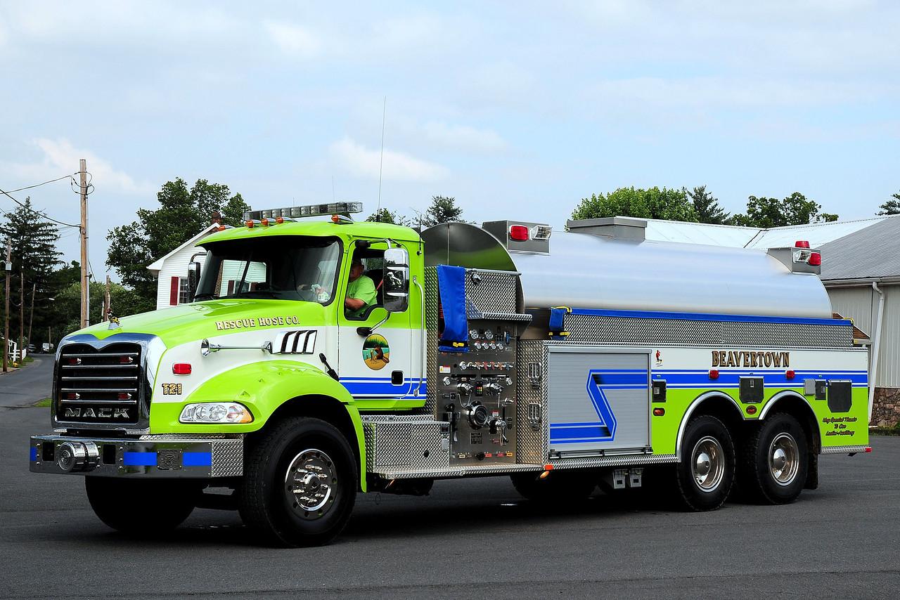 Beavertown Fire Co  Tanker 2-1  2009 Mack Granite/ KME  1000/ 3500