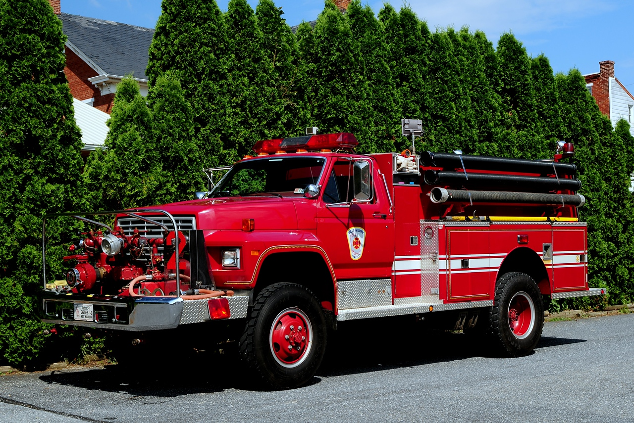 West Willow Tanker 5-06 1983 Ford F-700   750/  750