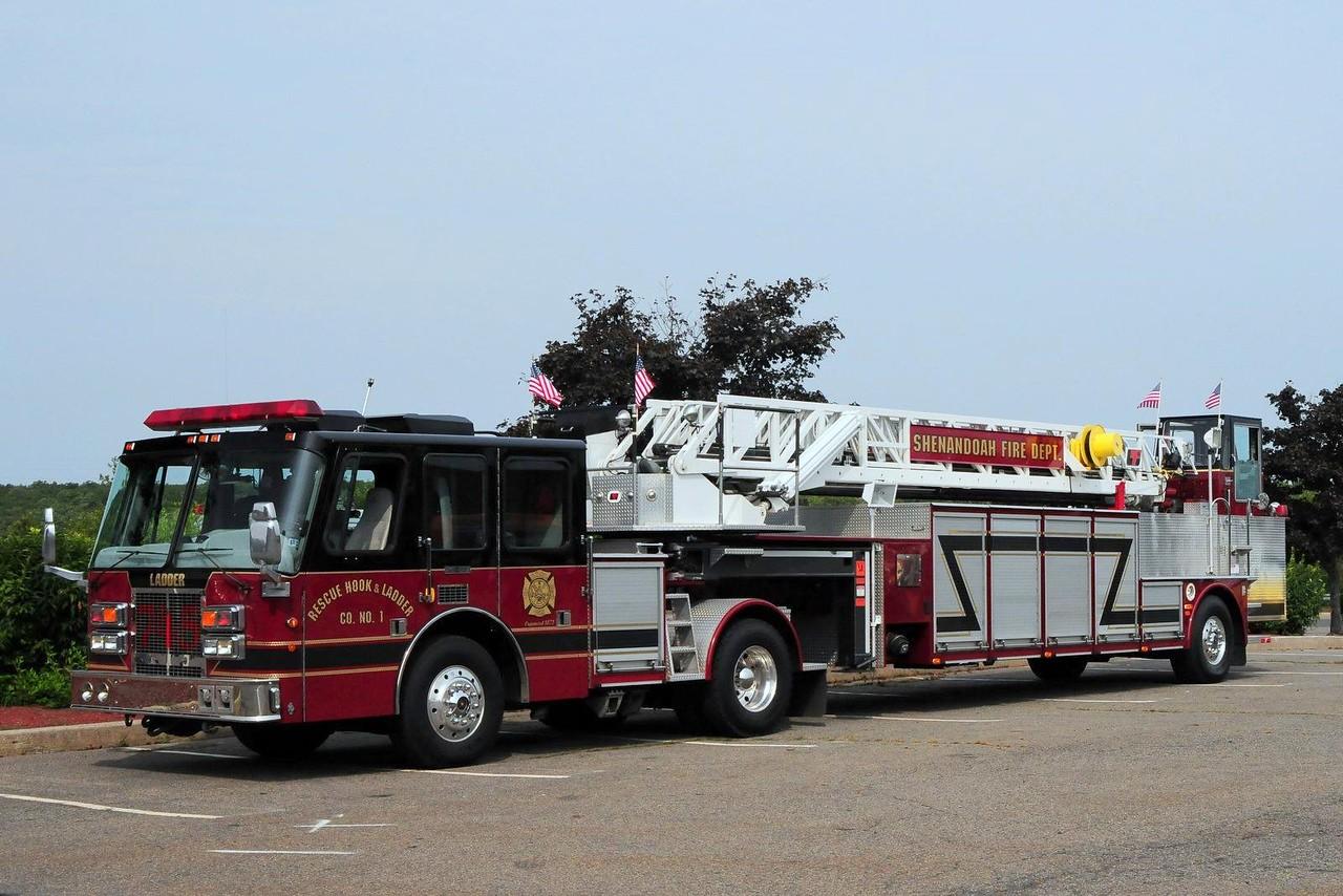 Shenandoah Rescue Hook & Ladder Ladder 745 1995 Simon Duplex/ LTI 100FT Ex-Salt Lake City, UT