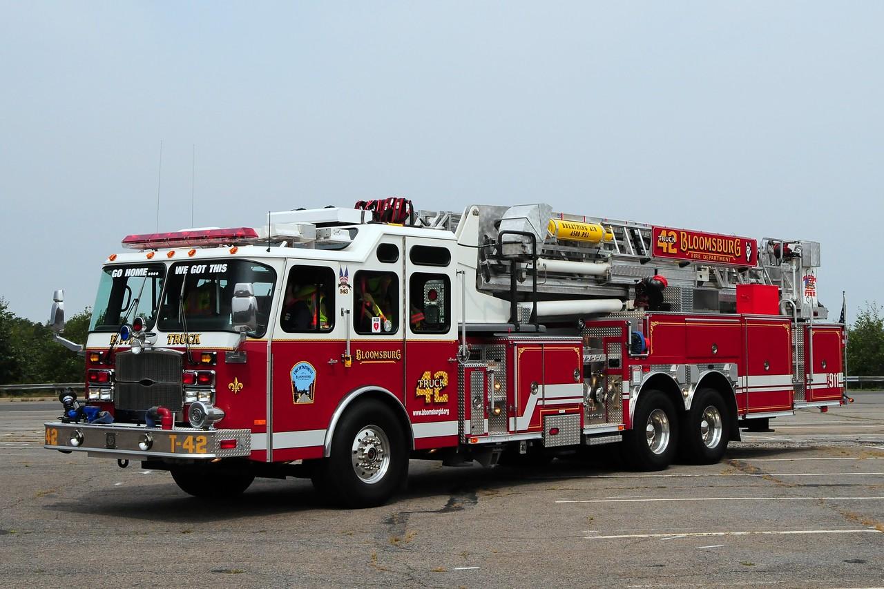 Bloomsburg  Fire Dept  Truck 42   2005 Emergency-One  2000/ 300 95ft Mid-Mount