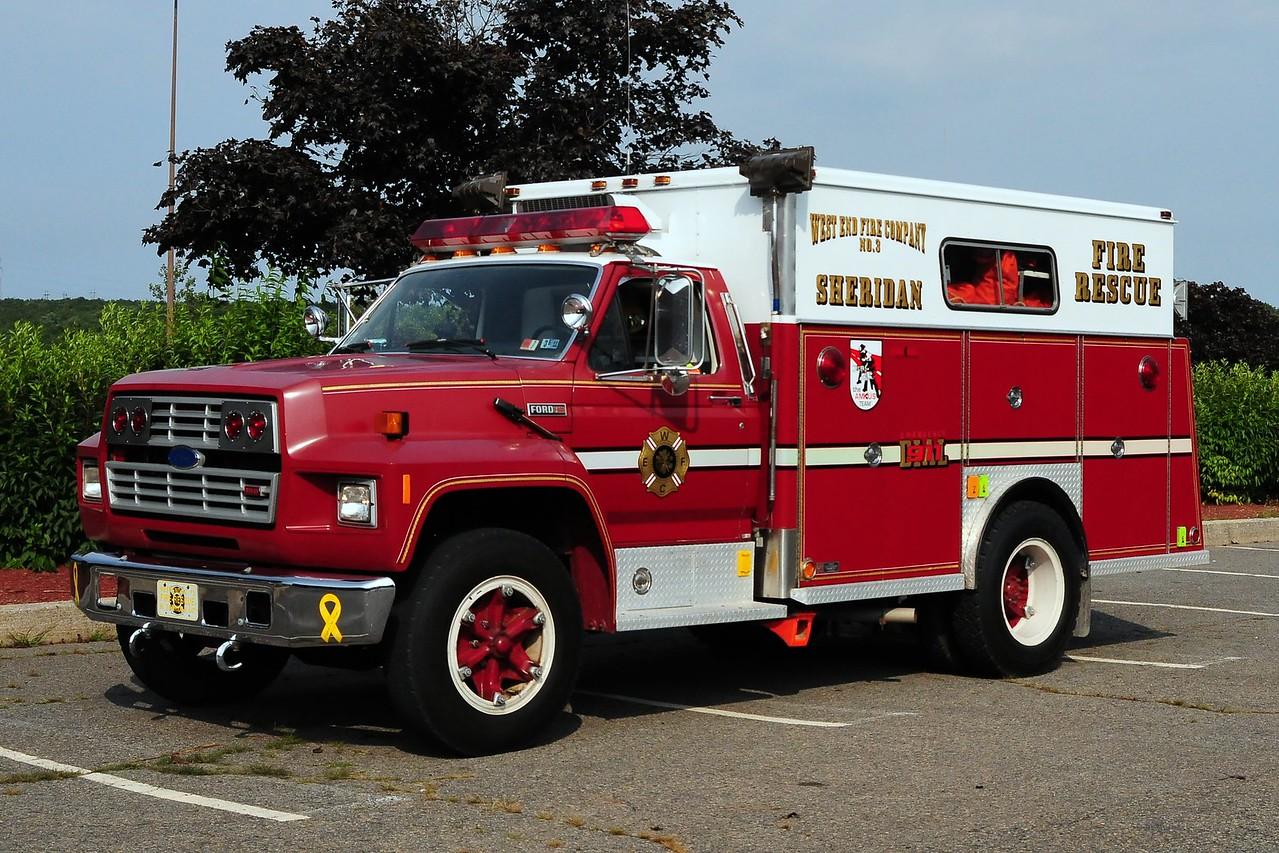 Sheridan Fire Co  Rescue 647 1986 Ford F-800/ Swab