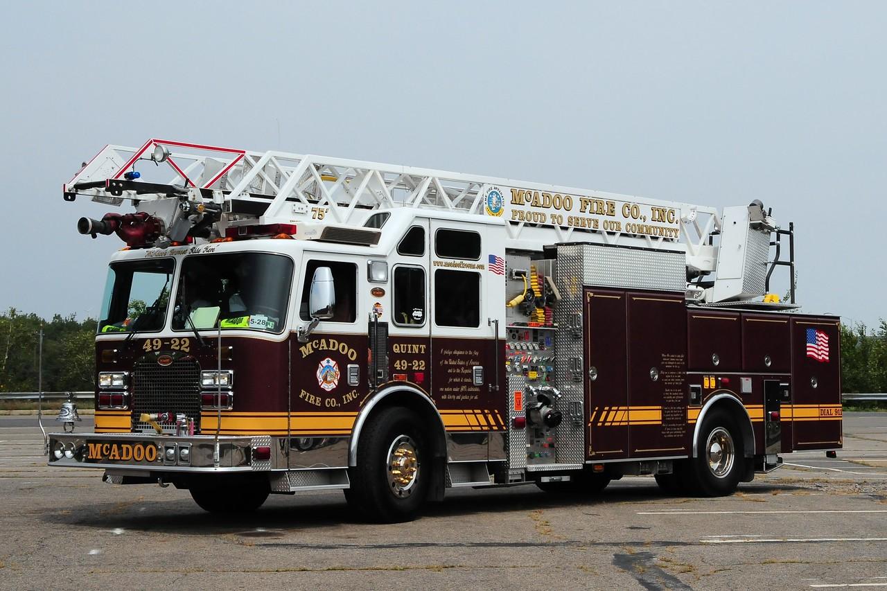 McAdoo Fire Co  Ladder 49-22  2003 KME 2000/ 300/ 30 / 75 ft