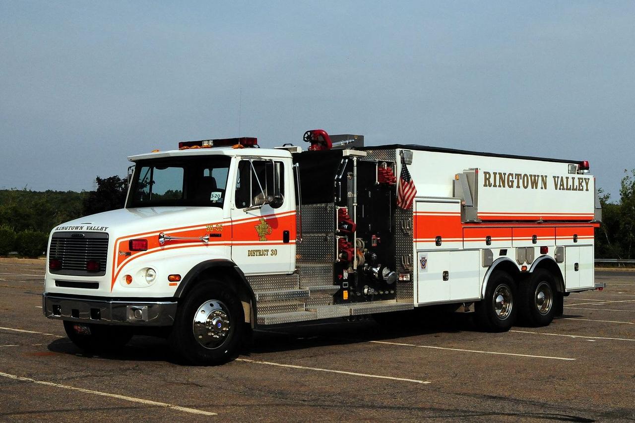Ringtown Valley Fire Co  Tanker 30-35  2001 Freightliner/ New  Lexington  1250/ 3000