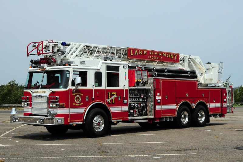 Lake Harmony  Ladder 17  2009 Pierce Arrow XT 2000/ 525/ 100ft