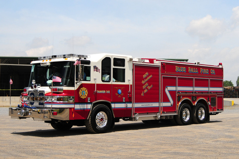 Blue Ball Fire Co    Tanker 3-2   2009  Pierce Quantum 2000/ 2500/ 50 foam