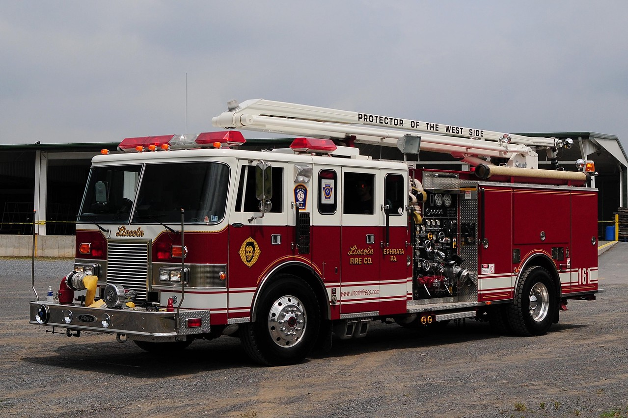 Lincoln Fire Co 1992 Pierce Lance 1750/ 500 54ft Squirt