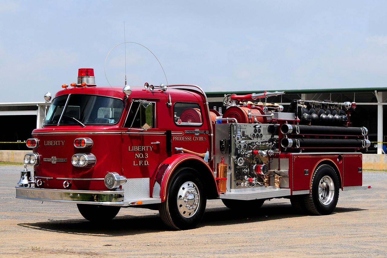 Liberty Fire Co  Engine  3   1968 American la france  1250/ 500